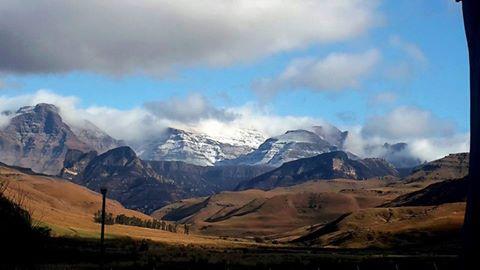 Madie Pretorius Botha : Bushman's Nek /Silvertreams, Southern Drakensberg, KZN. September 2015