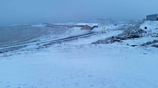 Snow at Letsing mine in Lesotho this morning.- Jo Daneel .: