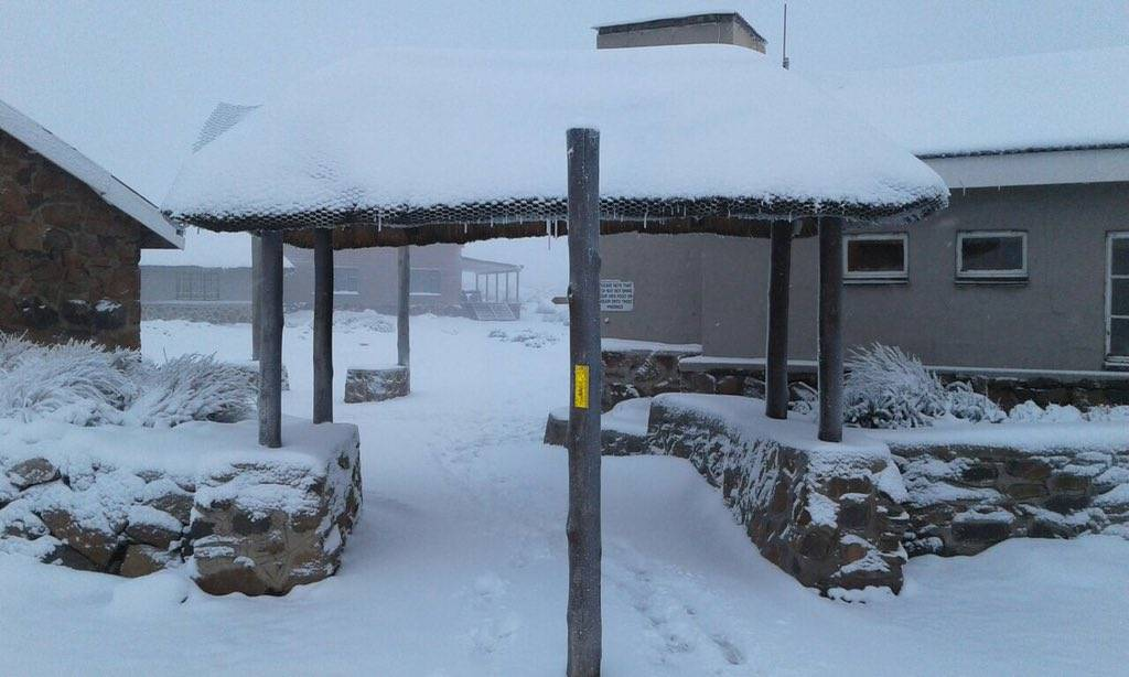 Snowing at Sani Pass Mountain Lodge this morning